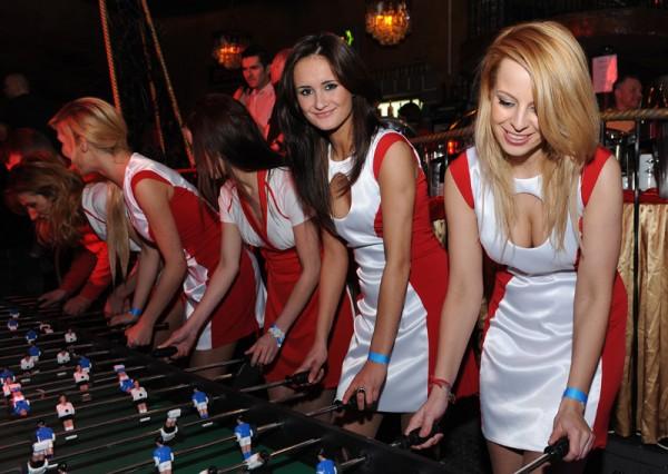 ce190c230 Hostessy na Euro 2012, wyjątkowe stroje do kupienia, wypożyczenia, dowolnej  modyfikacji kolorystycznej! Sukienki, szorty, topy i T-shirty.